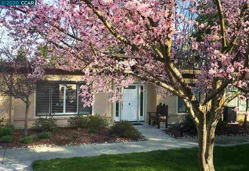 Photo of 1517 Oakmont Drive #7, WALNUT CREEK, CA 94595 (MLS # 40900831)