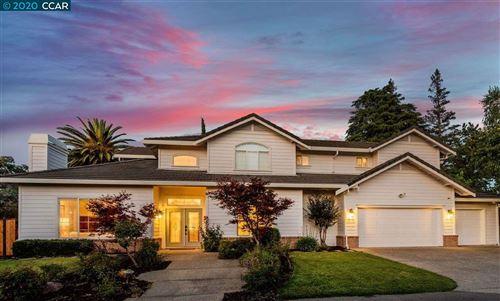Photo of 563 Walnut Avenue, WALNUT CREEK, CA 94598 (MLS # 40900832)