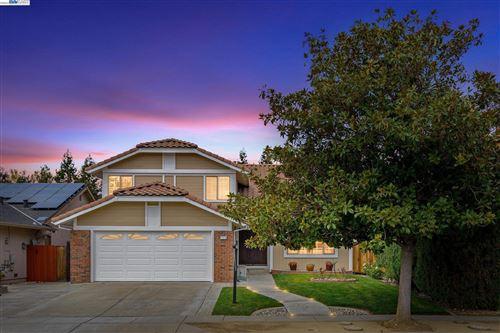 Photo of 2515 Bishop Ave, Fremont, CA 94536 (MLS # 40968832)
