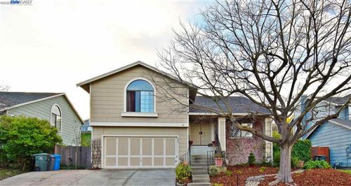 Photo of 406 Topsail Dr, VALLEJO, CA 94591 (MLS # 40891833)