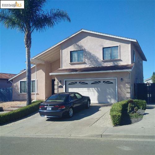 Photo of 211 Beechnut Dr, HERCULES, CA 94547 (MLS # 40926833)