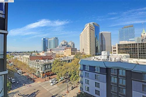 Photo of 801 Franklin St #803, OAKLAND, CA 94607 (MLS # 40925835)