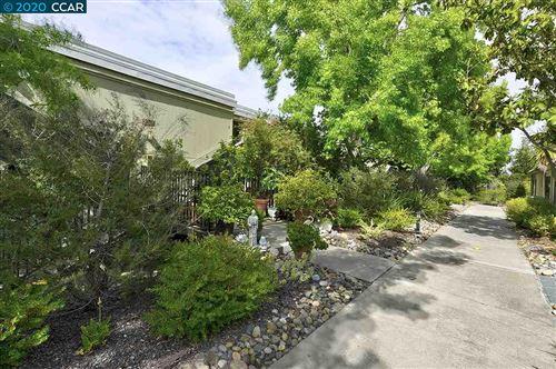 Photo of 2061 Pine Knoll Dr #4, WALNUT CREEK, CA 94595 (MLS # 40904836)