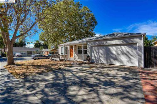 Photo of 427 Escobar St, FREMONT, CA 94539 (MLS # 40922837)