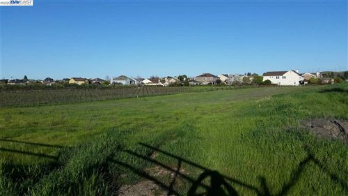 Photo of 00 Arroyo Rd, LIVERMORE, CA 94550 (MLS # 40927838)