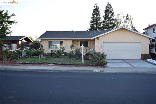 Photo of 883 Adams Ave, LIVERMORE, CA 94550 (MLS # 40953838)