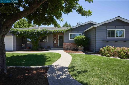 Photo of 1746 Woodcrest Dr, CONCORD, CA 94521 (MLS # 40911841)