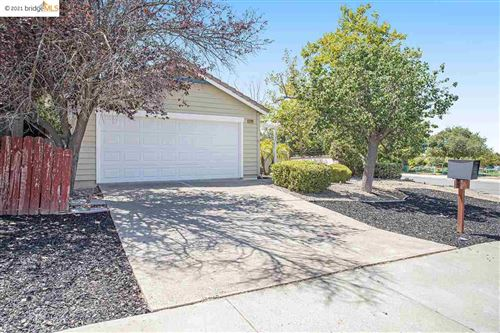 Photo of 5100 Thistlewood Ct, ANTIOCH, CA 94531 (MLS # 40959843)