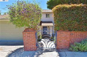 Photo of 1915 Oakview Dr, OAKLAND, CA 94602 (MLS # 40874847)