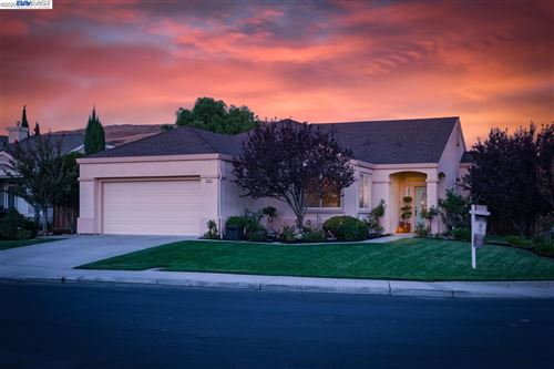 Photo of 2915 Gelding Ln, LIVERMORE, CA 94551 (MLS # 40920848)