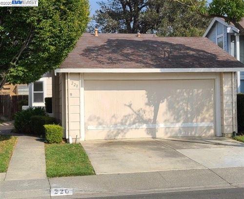 Photo of 220 Buckskin Pl, VALLEJO, CA 94591 (MLS # 40920849)