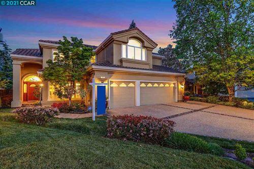 Photo of 20 Greenridge Pl, DANVILLE, CA 94506 (MLS # 40946851)