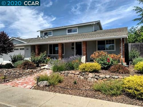 Photo of 4331 Hazelwood Ln, CONCORD, CA 94521 (MLS # 40909855)