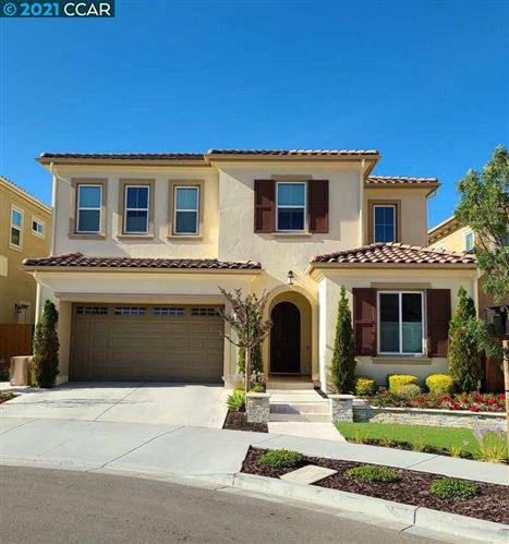 Photo of 316 Oberland Ct, DANVILLE, CA 94506 (MLS # 40938857)