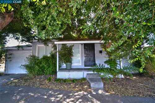 Photo of 916 Carlson Blvd, RICHMOND, CA 94806 (MLS # 40908860)