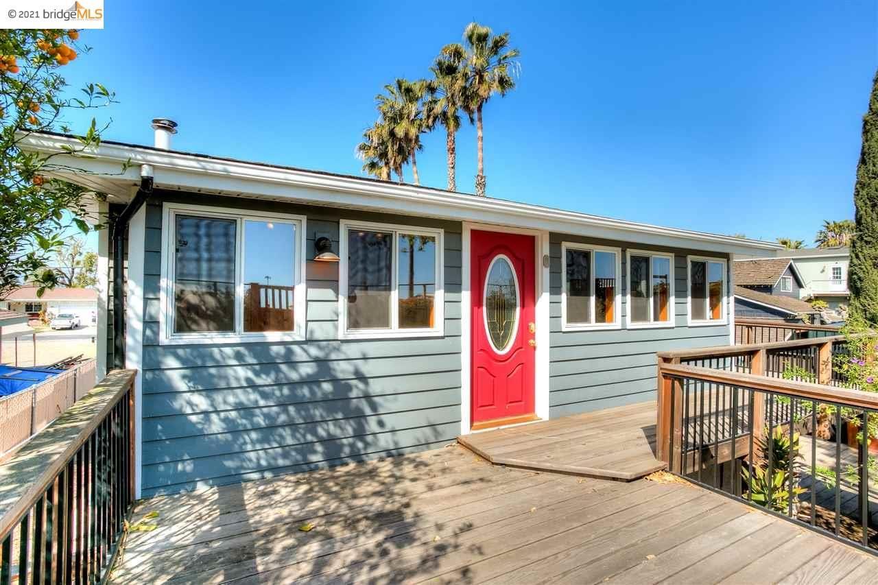 Photo of 5054 Sandmound Blvd, OAKLEY, CA 94561 (MLS # 40944861)