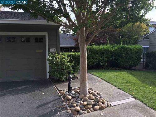 Photo of 135 Cypress Point Way, MORAGA, CA 94556 (MLS # 40926863)