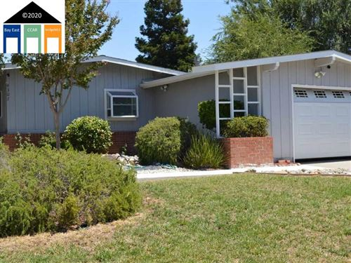 Photo of 4307 Grammercy Lane, CONCORD, CA 94521 (MLS # 40922864)