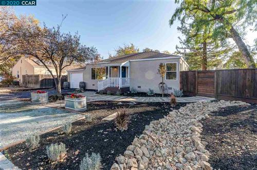 Photo of 1001 Hook Ave, PLEASANT HILL, CA 94523 (MLS # 40891865)