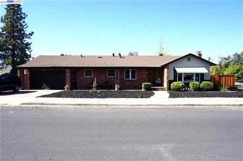 Photo of 837 Estates St, LIVERMORE, CA 94550 (MLS # 40926867)