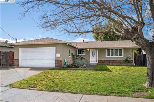 Photo of 331 Edythe St, LIVERMORE, CA 94550 (MLS # 40892868)