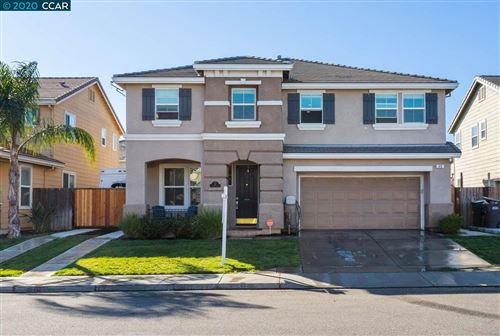 Photo of 49 Puffin Cir, OAKLEY, CA 94561 (MLS # 40896869)