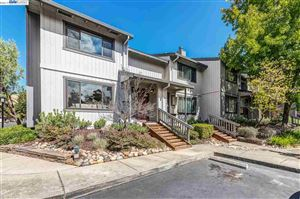 Photo of 20600 Waterford Pl, CASTRO VALLEY, CA 94552 (MLS # 40883870)