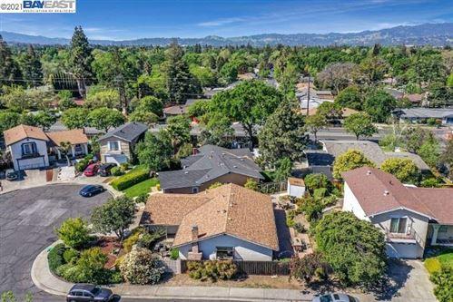 Photo of 1013 Movida Drive, CONCORD, CA 94518 (MLS # 40945870)