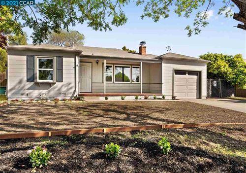 Photo of 3636 Los Flores Ave, CONCORD, CA 94519 (MLS # 40945873)