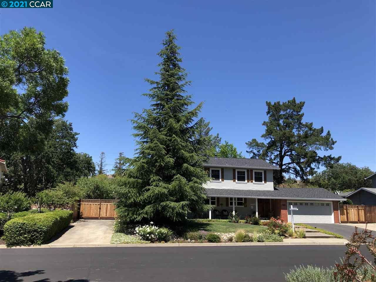 Photo for 5587 Southbrook Dr, CLAYTON, CA 94517 (MLS # 40948873)