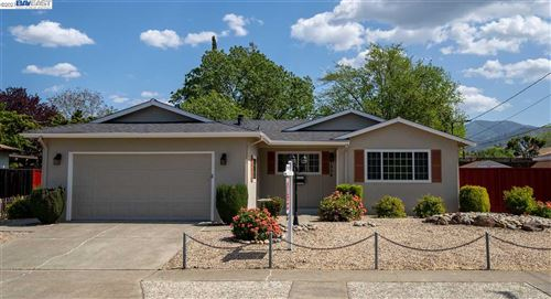 Photo of 1554 Claycord Ave, CONCORD, CA 94521 (MLS # 40945874)