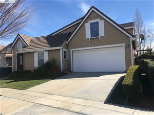 Photo of 574 Farrington St, MOUNTAIN HOUSE, CA 95391 (MLS # 40821876)