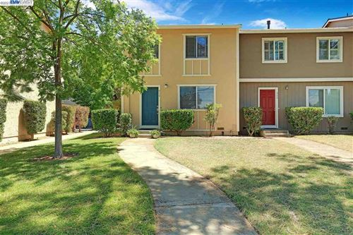 Photo of 916 Dolores St, LIVERMORE, CA 94550 (MLS # 40959877)