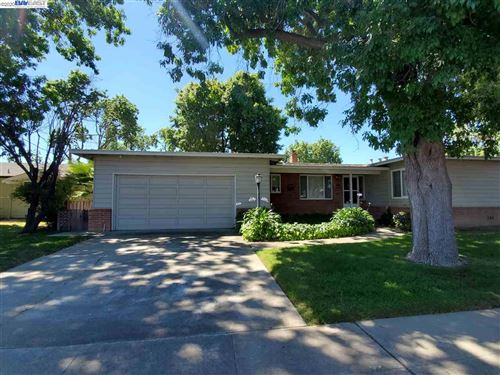 Photo of 4152 School St, PLEASANTON, CA 94566 (MLS # 40913878)