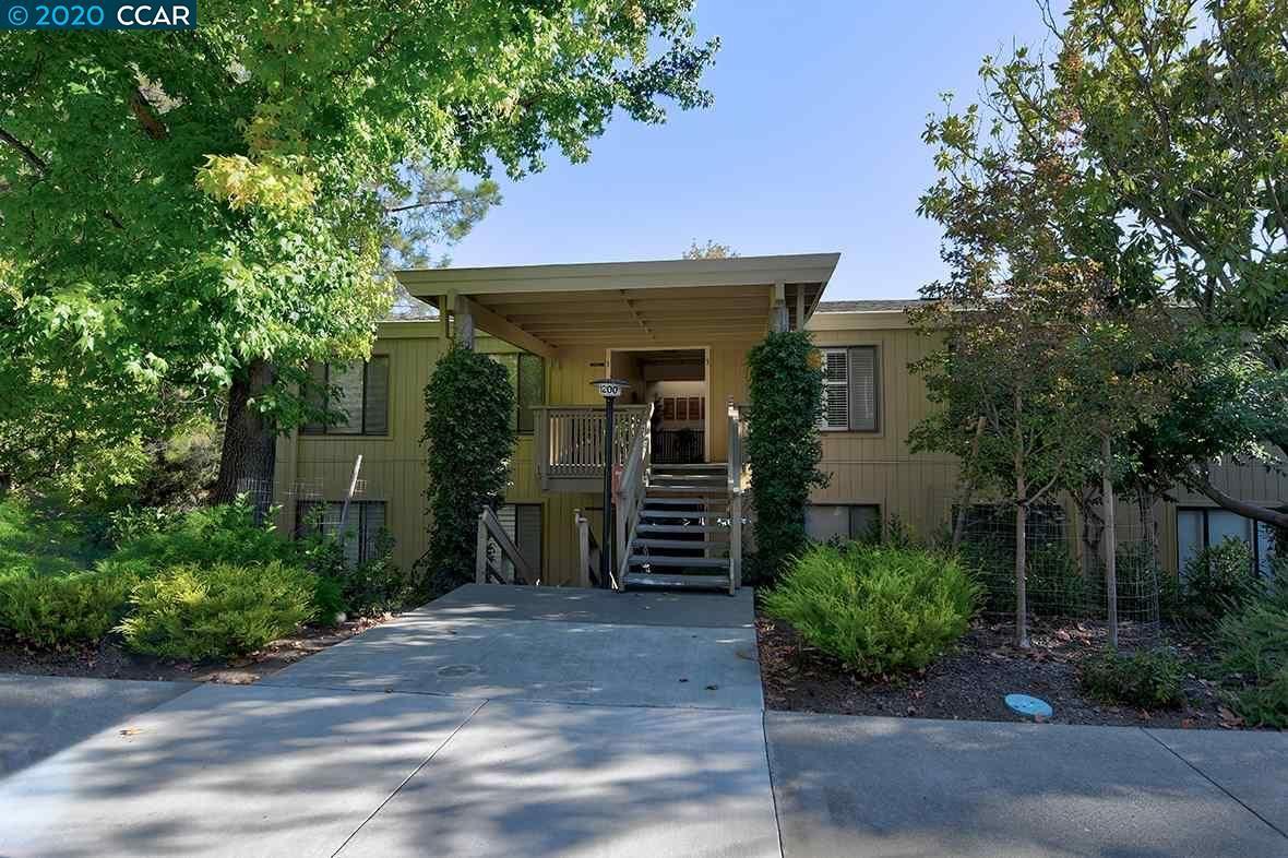 Photo for 1200 Canyonwood Ct. #3, WALNUT CREEK, CA 94595 (MLS # 40925878)
