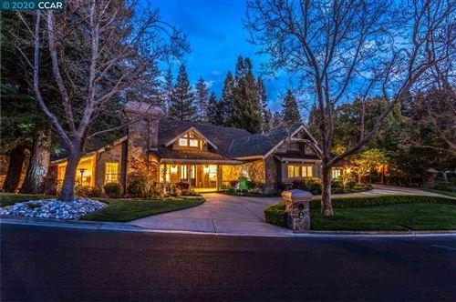 Photo of 20 Chestnut Pl, DANVILLE, CA 94506 (MLS # 40908880)