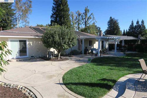 Tiny photo for 124 San Thomas Way, DANVILLE, CA 94526-4929 (MLS # 40926880)