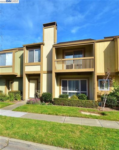 Photo of 3208 Fiji Ln, ALAMEDA, CA 94502 (MLS # 40893883)