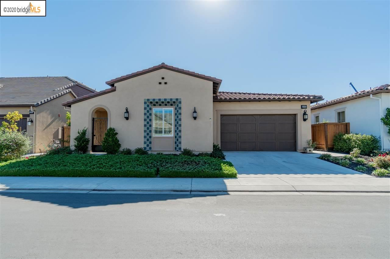 Photo for 2096 Rioja Way, BRENTWOOD, CA 94513 (MLS # 40925883)