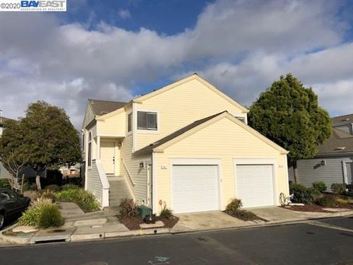 Photo of 161 Parfait Ln, ALAMEDA, CA 94502 (MLS # 40893884)