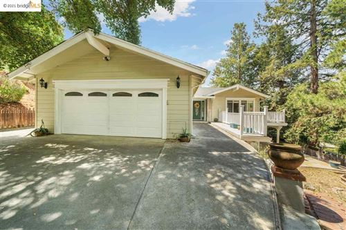 Photo of 2 Aghalee Rd., ORINDA, CA 94563 (MLS # 40955885)
