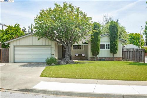 Photo of 3282 Canterbury Ct, FREMONT, CA 94536 (MLS # 40905887)