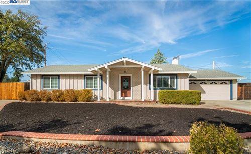 Photo of 1501 N El Camino Dr, CLAYTON, CA 94517 (MLS # 40929887)