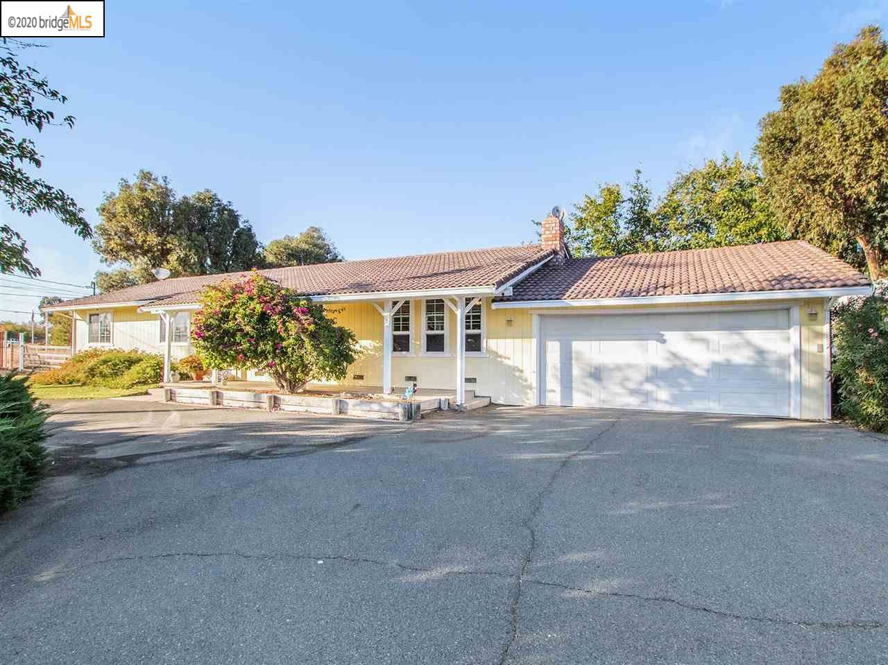 Photo of 8424 Lone Tree Way, BRENTWOOD, CA 94513 (MLS # 40914887)