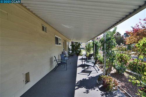 Photo of 1055 Peralta Road, CONCORD, CA 94520 (MLS # 40959888)