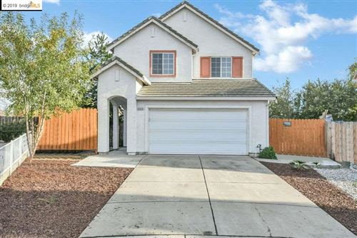 Photo of 4929 Willowbrook Way, ANTIOCH, CA 94531 (MLS # 40888892)