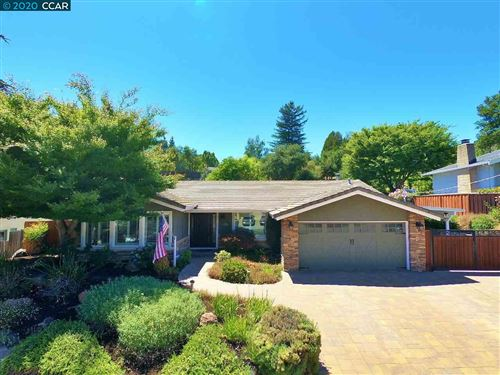 Photo of 5876 Cold Water Dr, CASTRO VALLEY, CA 94552 (MLS # 40910892)