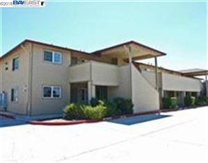 Photo of 2255 Chestnut St, LIVERMORE, CA 94551-6857 (MLS # 40845893)