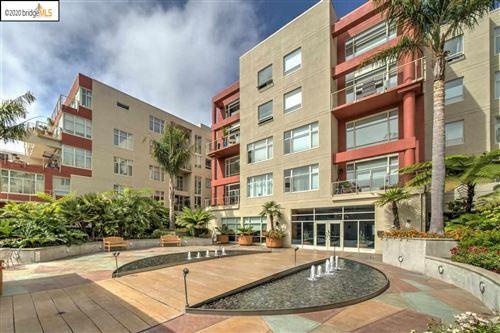 Photo of 5855 Horton St #501, EMERYVILLE, CA 94608 (MLS # 40912894)