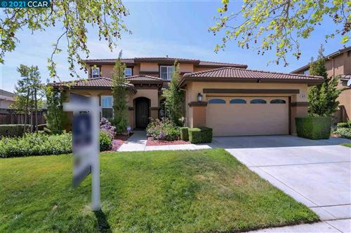Photo of 5670 Carlow Way, ANTIOCH, CA 94531 (MLS # 40944897)